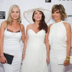 RHOBH sip LVP at the Bella Magazine White Party with E!